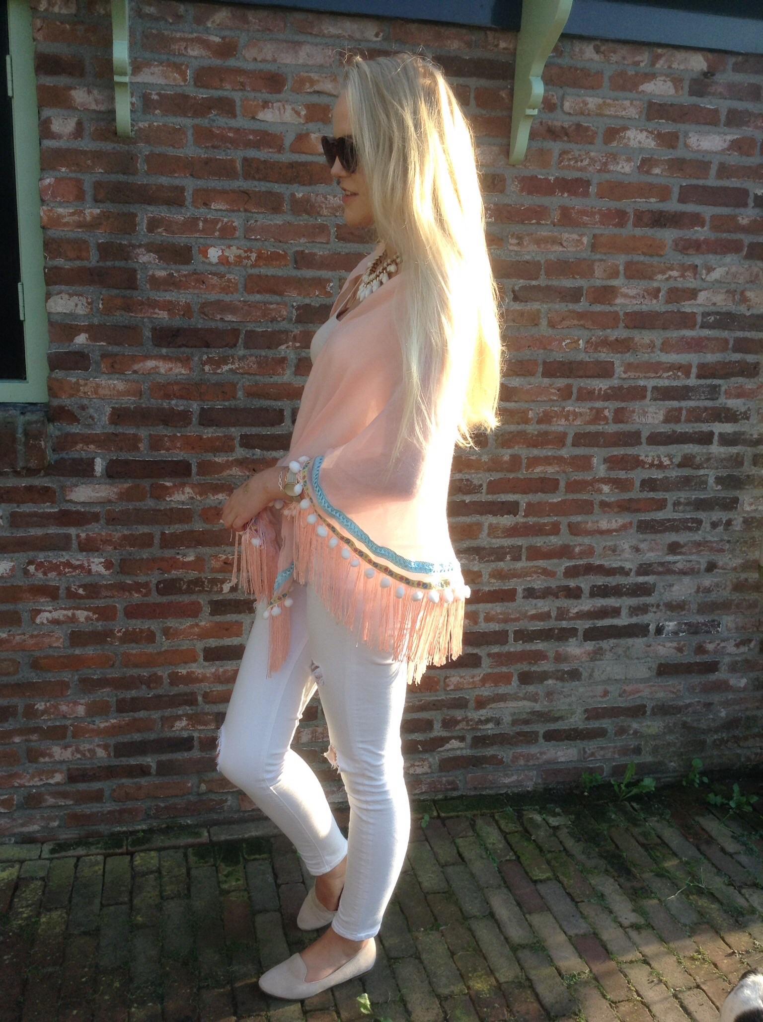 Edith Sofia blog met poncho boho look