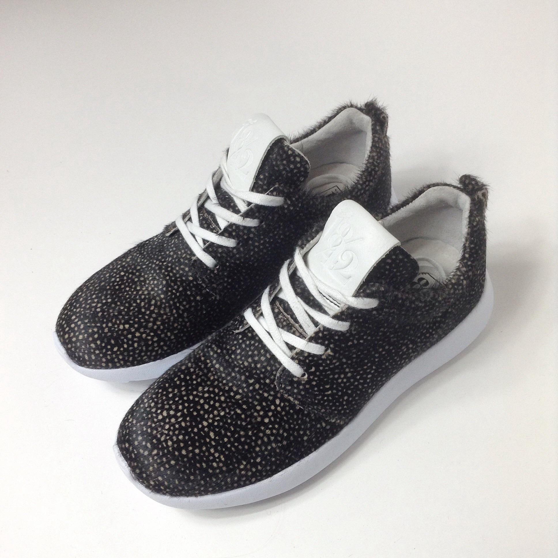 est 1842 sneakers